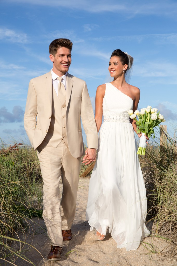 Hawaii emanuele tuxedo rentalemanuele tuxedo rental for Wedding dress rental hawaii